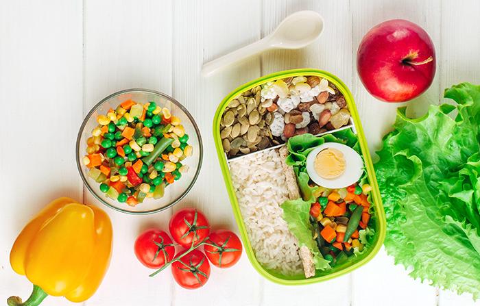 5 Cara Mempersiapkan Makanan Sehat untuk Anak